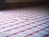 infloor heating installation in floor pipes